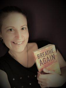 Texterin & Autorin Melanie Huemer mit Breathe Again